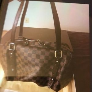 Authentic LOUIS VUITTON Damier Rivington GM Should